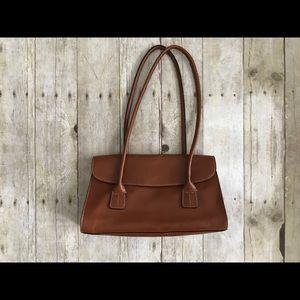 Handbags - NWOT Tommy Hilfiger Purse